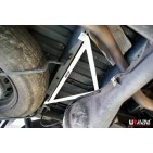 Toyota Hiace/H200 04+ UltraRacing 3-Point Rear Brace 1368